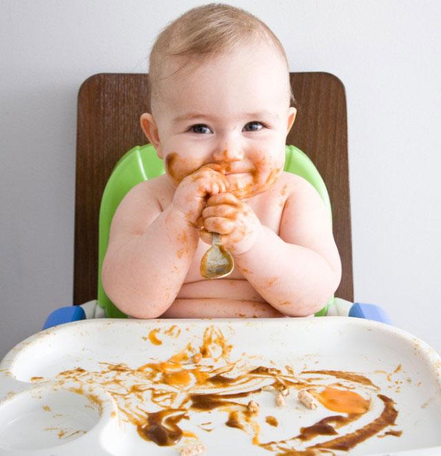 Khi nào cho bé ăn dặm? Thời điểm cho bé ăn dặm tốt nhất?